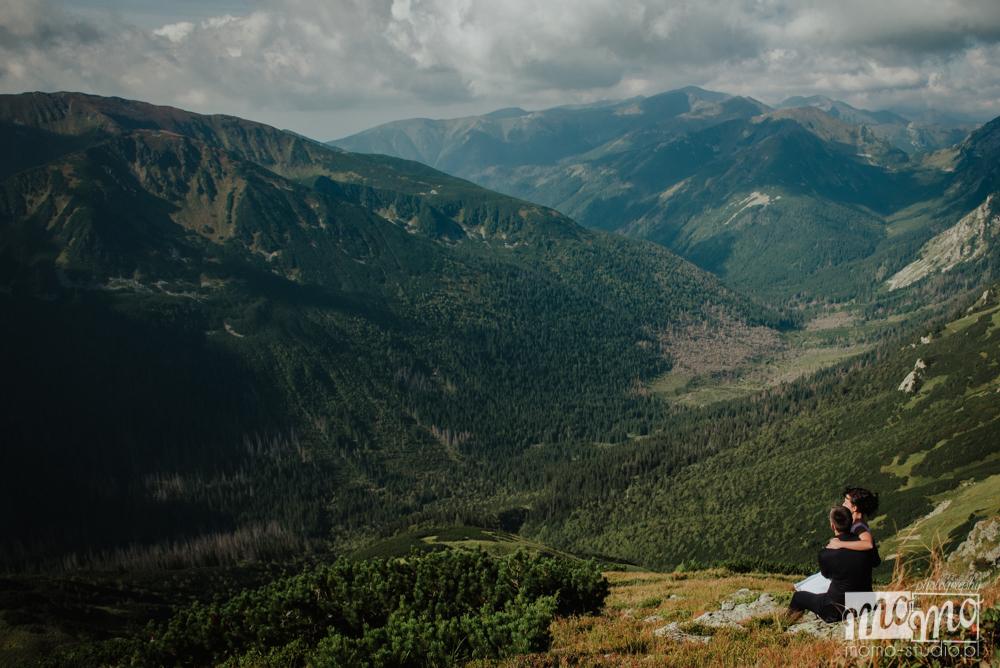 Ślubna sesja plenerowa w górach