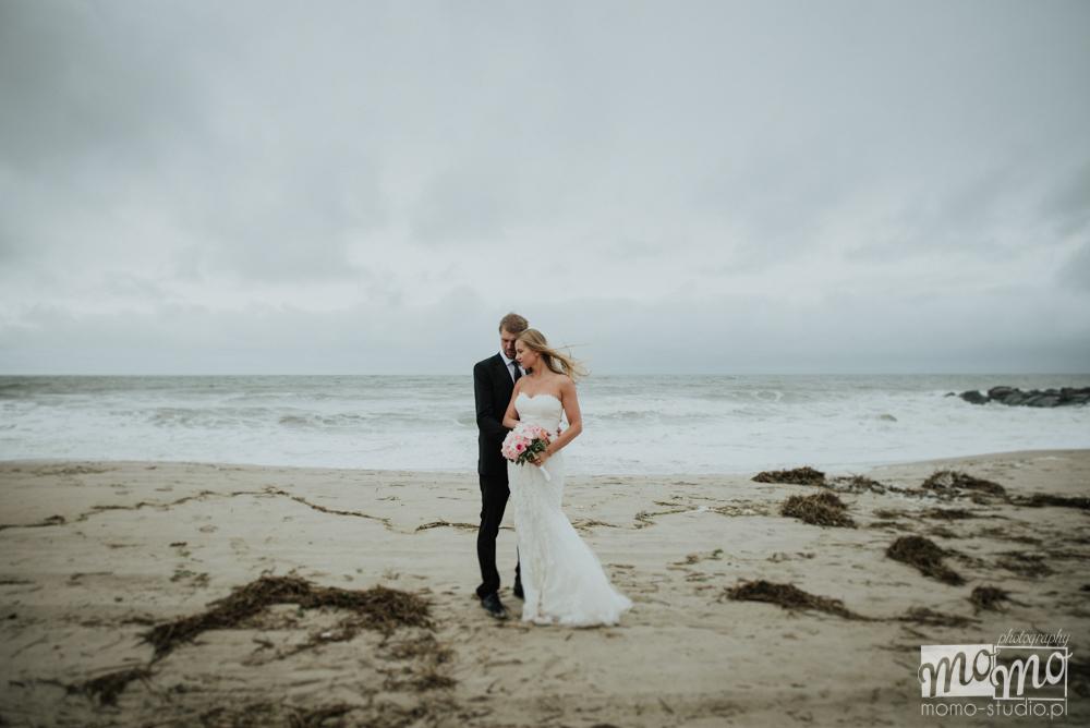 ślubna sesja zdjęciowa nad morzem